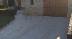 Giraud Maçonnerie - Réfection d'une cour en pavés à Lachassagne (après travaux)